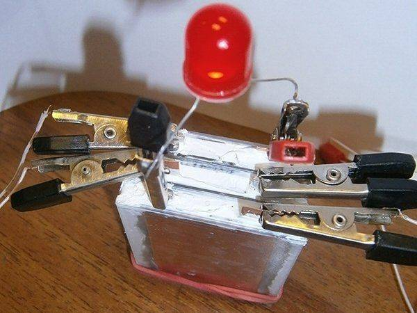 Более 10 лет службы для одного заряда батарейки RC HOBBY